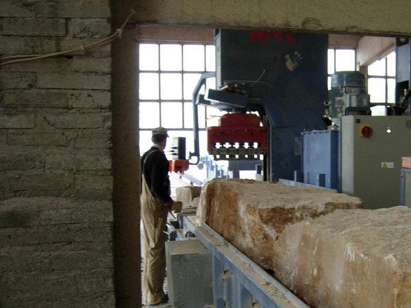 Benzi transportoare pentru mutarea pietrei